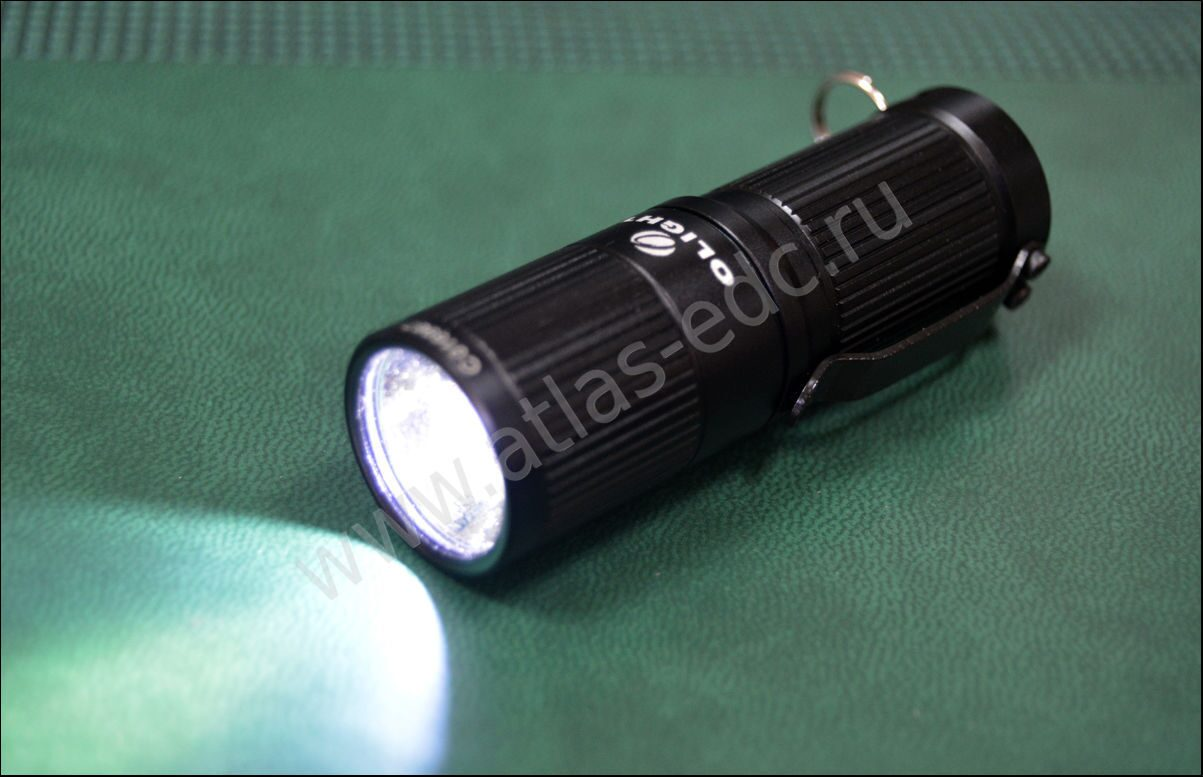 Фонарь LED Olight i1 EOS XM-L черный