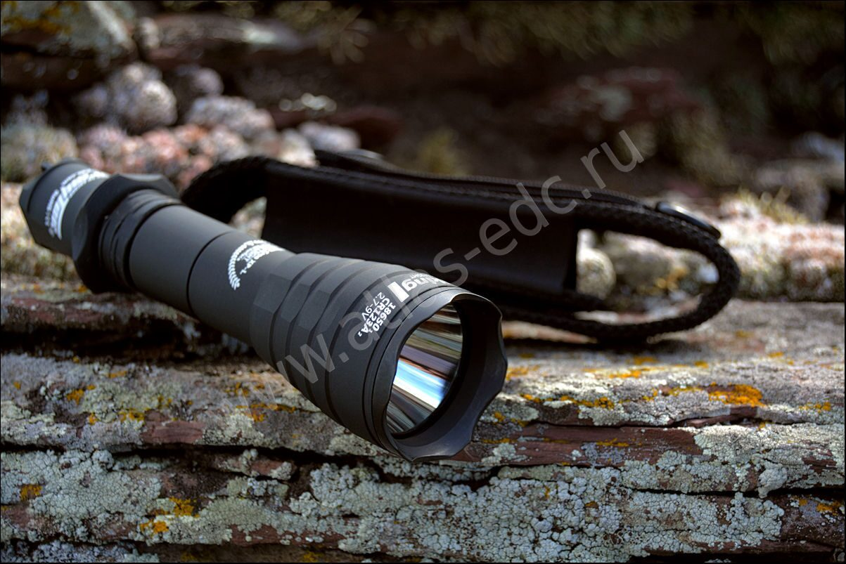 "Фонарь Armytek ""Viking v.3"" XP-L (154мм./1250лм./1*18650/2*CR123А/360м.) черный"